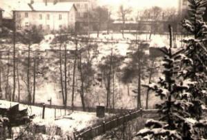 Konečná stanice na Hlavním nádraží i s budovou pošty a železniční polikliniky z poloviny 60. let. Zde jsem, jako kluk, často vedl velmi podnětné antikomunistické hovory s panem Stoličkou...