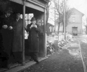 Konečná tramvaje u nádraží, válečná léta kolem roku 1942...