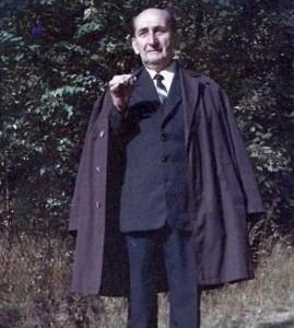 Děda Ludvík s jeho typickým doutníkem...